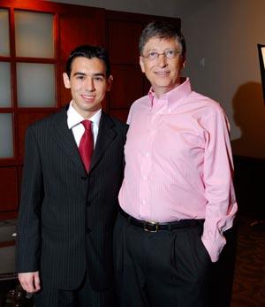 Joaquin Rodriguez, a Gates Millenium Scholar, and Bill Gates